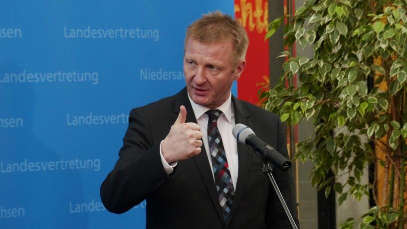 Ralf Jäger, Innenminister im einwohnerstärksten Bundesland Nordrhein-Westfalen bei der Pressekonferenz