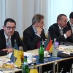 Staatssekretär Michael Rüter nimmt für die Landesvertretung an der Konferenz teil