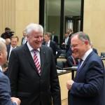 Gute Stimmung vor der letzten Runde: MP Stephan Weil mit seinen Kollegen Horst Seehofer und Olaf Scholz