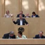 Umweltminister Stefan Wenzel redet zur Reform des Erneuerbare-Energien-Gesetz