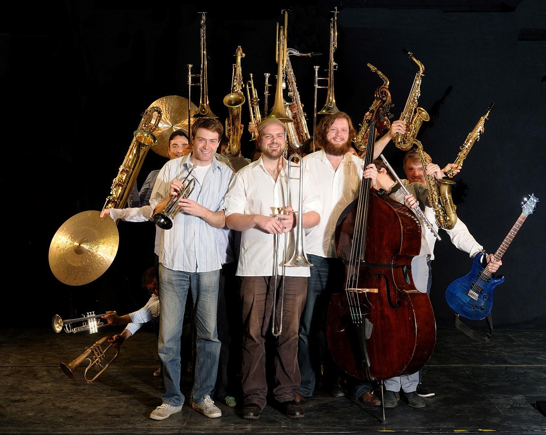 Band von Simin Tander