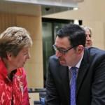 Michael Rüter und seine Kollegin Dr. Angelica Schwall-Düren aus Nordrhein-Westfalen