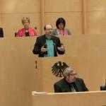 Christian Meyer fordert das endgültige Aus für die Käfighaltung