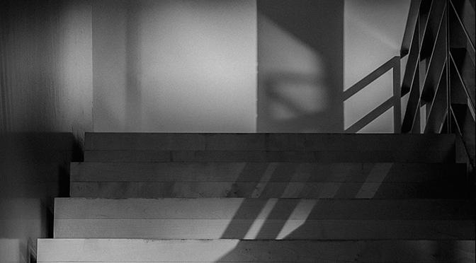 "Teaser: ""untitled (refraction)"", Fine Art Print on Photo Rag Paper, 35 x 25 cm, 2015 Edition of 3 + 2 AP. Courtesy der Künstler & Galerie Jette Rudolph, Berlin"