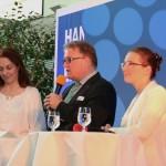 Regionspräsident Hauke Jagau und Pattensens Bürgermeisterin Ramona Schuhmann (rechts) eröffneten den Reigen der Talkrunden (links die Moderatorin)