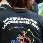 Auch am T-Shirt sind die Siegerinnen und Sieger zu erkennen