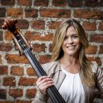 Kristin Korb, Bassistin und Sängerin aus den USA, tritt für Schleswig-Holstein auf
