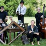 Norbert Leisegang (vorn rechts) und seine Band Keimzeit