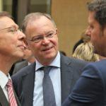Die Regierungschefs aus benachbarten Ländern: MP Stephan Weil und Bremens Bürgermeister Carsten Sieling